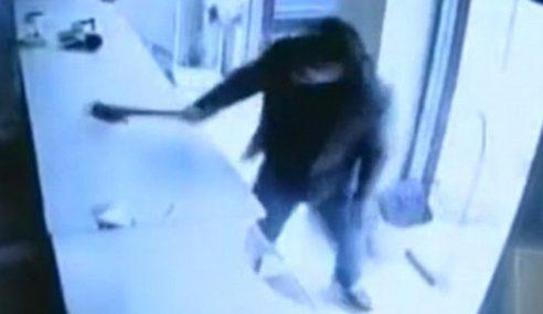 Kardigan LV Rosak, Lelaki Amuk Serang Kedai Dobi
