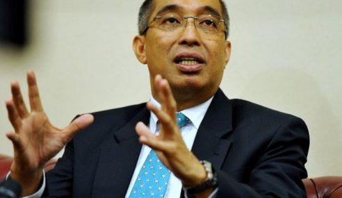 Kit Siang Tak Setaraf Dengan Najib Untuk Berbahas