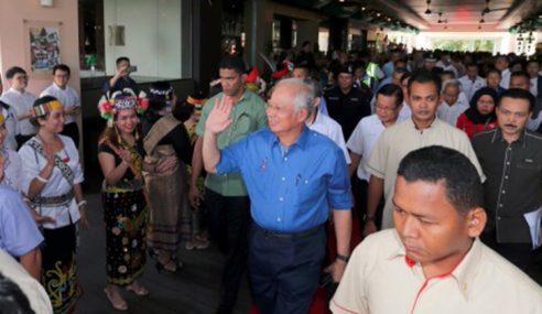 Warga Lahad Datu Teruja Terima Kedatangan Najib