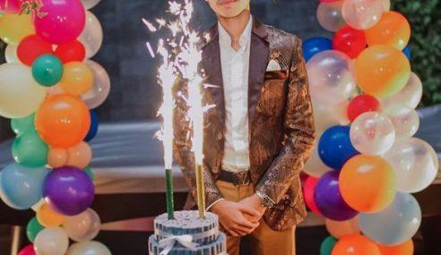 Wow.. Anak Che Ta Sambut Birthday Dengan Kek Duit