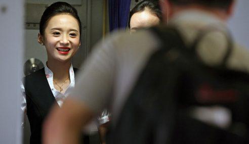 Wanita China Dinobat Pramugari Paling Cantik Dunia