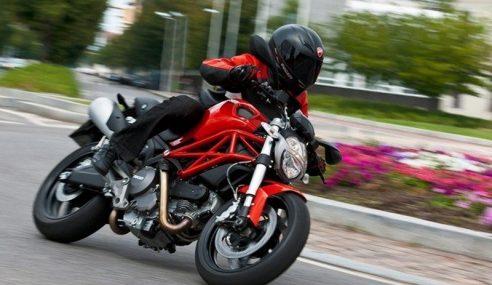 Penunggang Ducati Monster Maut Di Lebuhraya KL-Karak