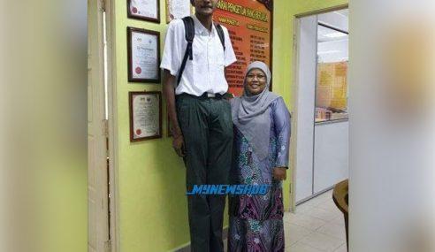 Wow! Mungkin Inilah Pelajar Paling Tinggi Di Malaysia!