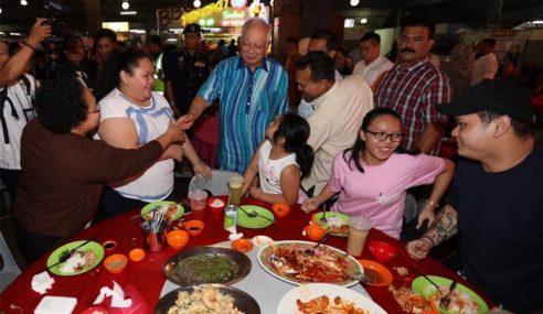 Najib Promosi Makanan Warisan Sarawak