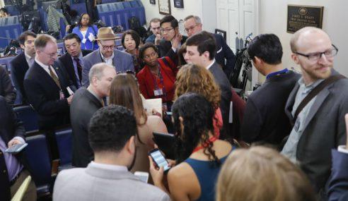 White House Halang Beberapa Media Buat Liputan