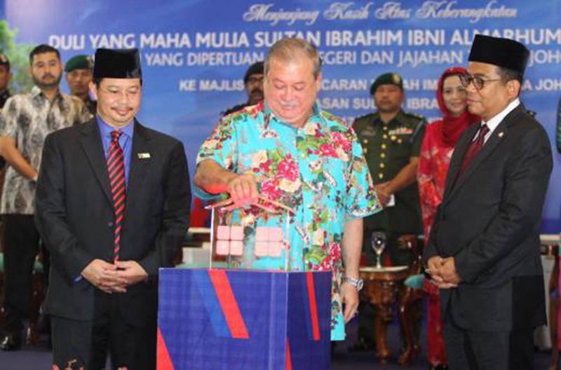 Sultan Pastikan Rumah Impian Bangsa Johor Berjaya