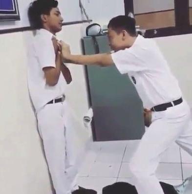 Remaja Indonesia Ketagih Cabaran 'Mati Seketika'