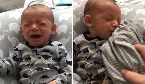 Video: Bayi Henti Menangis Lepas Cium Baju Busuk Ibu