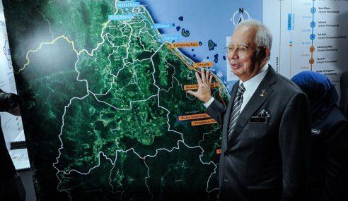 Najib Sinis PH Jarah Petronas Untuk Projek ECRL