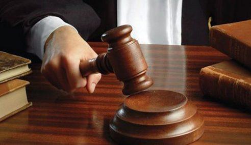 Halang Tugas Polis, 2 Rakan Didenda RM3,000