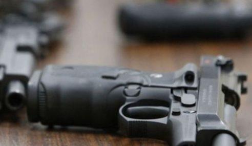Polis Rampas Pistol & Senapang Patah Di Gua Musang