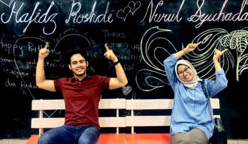 Hafidz Roshdi Idam Anak Kembar Lelaki