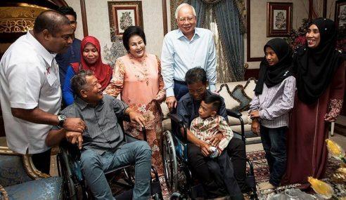 Mangsa Culik Abu Sayyaf Jumpa Famili Di Rumah PM