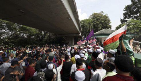 RUU 355: Ratusan Berdemo Bantah Karikatur Nanyang