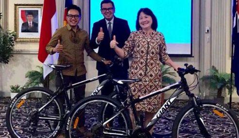 Hanya Kerana Nak Basikal, Lebih 100k Serbu FB Jokowi