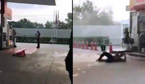 Lelaki Mengamuk Di Stesen Minyak Jadi Bahan Tontonan