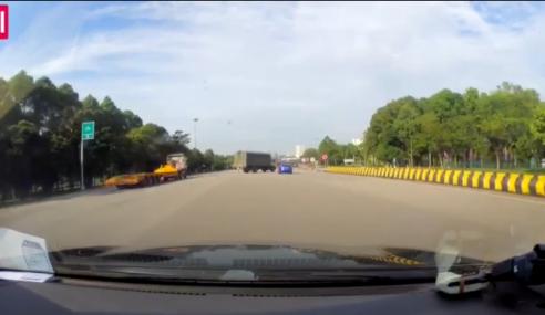 Video: Pemandu Lori 'Bebal' Buat Pusingan U…