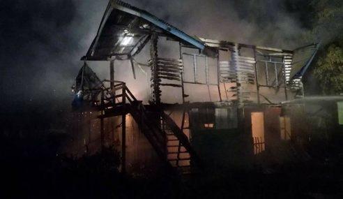 Rumah Pekerja Hangus Terbakar Di Bintulu