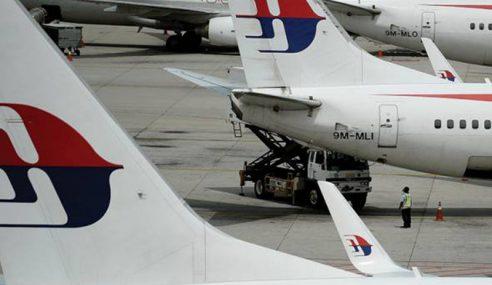 Tayar Pesawat MAS Kempis Selepas Mendarat Di KLIA