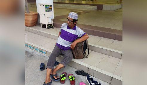Gambar Mualaf Dibuang Keluarga Buat Netizen Sayu…