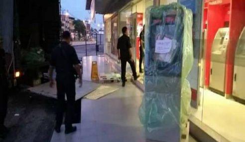Disangka Penyangak, Pekerja Baiki Mesin ATM 'Ditahan'