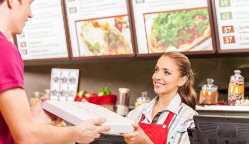 Diperlekeh Kerja Restoran, Gadis Ini Kongsi Cerita