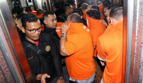 Salah Guna Wang Zakat: 11 Individu Ditahan