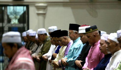 Najib Ingatkan Umat Islam Perbanyak Ibadah, Tarawih
