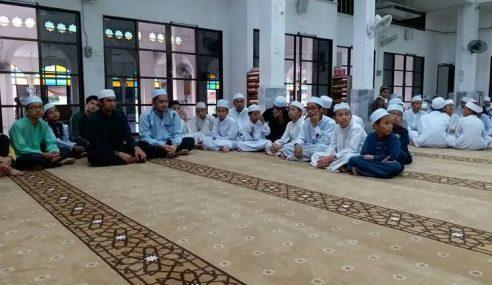 TNB Raikan 50 Pelajar Tahfiz Di Majlis Buka Puasa
