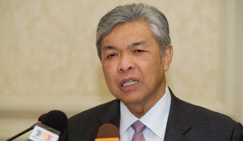 Zahid Ziarah Bekas Speaker Dun Johor Di Hospital