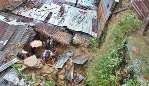 Lebih 100 Maut Ditimbus Tanah Runtuh Di Dhaka