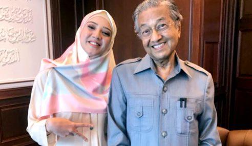 Soalan Fathia Latiff Kepada Mahathir Dikritik Netizen