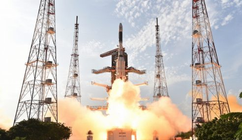 India Cipta Rekod Lancar Roket Saiz Gergasi