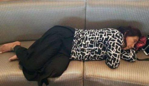 Gambar Menteri Indonesia Tertidur Jadi Tular