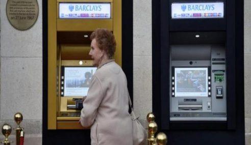 Mesin ATM Pertama Disaluti Emas Di London