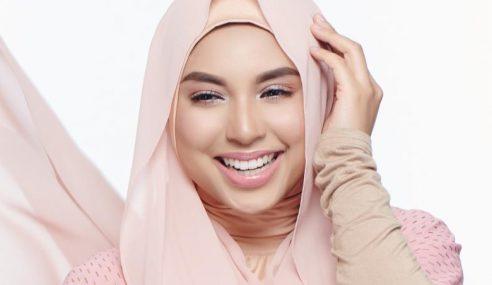 Mizz Nina Kini Gemar Ngaji Sejak Hijab 2013