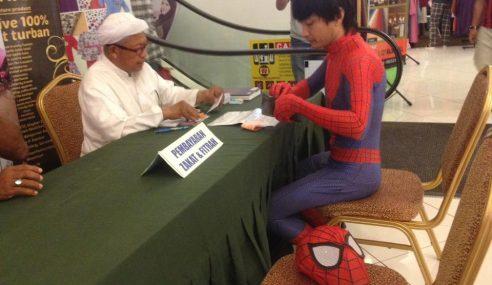 Spiderman Pun Tunai Kewajipan Bayar Zakat Fitrah