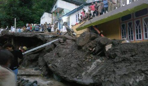 6 Maut, 11 Cedera Hujan Lebat Di Kashmir