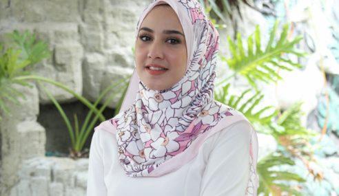 Fathia Latif Nafi Sudah Kembali Buka Tudung