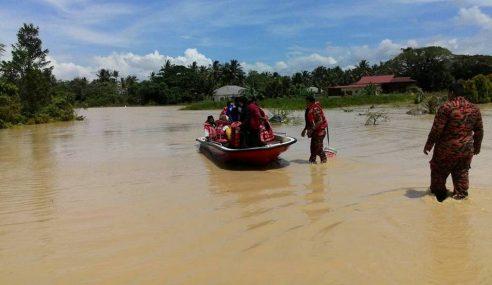 Berpindah Ke Pusat Banjir Sebelum Pergi Haji