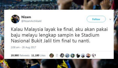 Final Bola: Pakai Baju Melayu Sokong Team Malaysia