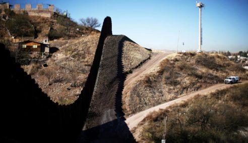 Trump Lawat Kawasan Bina Tembok AS-Mexico