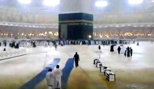 Hujan Lebat Landa Tanah Suci Makkah