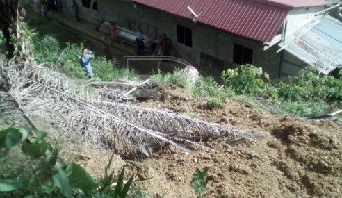 Tanah Runtuh Ancam Rumah Panjang Di Marudi