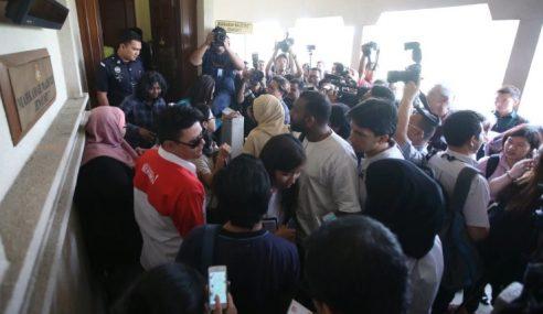 2 Remaja Didakwa Bunuh 21 Pelajar, 2 Guru Tahfiz