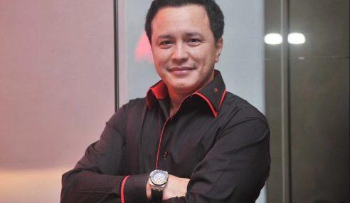 Gelaran 'Datuk Seri' Dikecam, Eizlan Tak Kisah