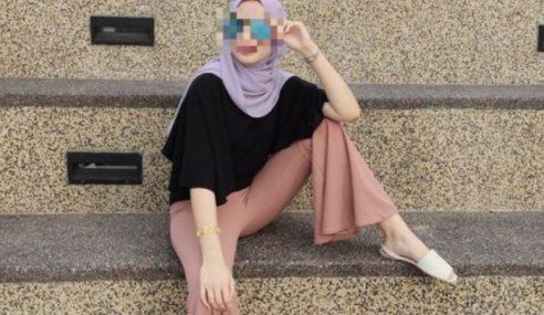 Asyik Kangkang, Hijabista Ini Teruk Dihentam Netizen