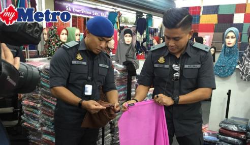 KPDNKK Rampas Tudung Tiruan Bernilai RM500,000