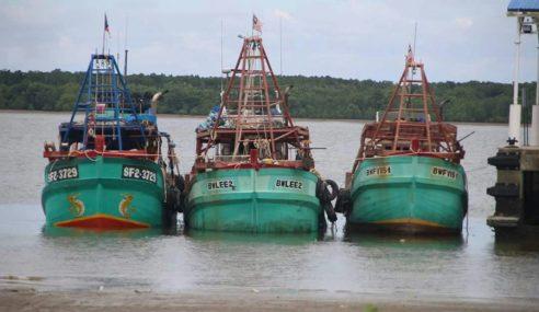 Tiga Bot Nelayan Asing Ditahan Maritim