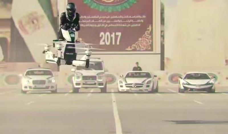 Polis Dubai Guna Motosikal Terbang Kejar Penjenayah